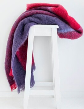 Windermere Mohair Throw Berry - 130x185cm